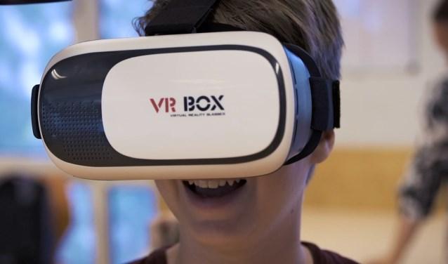 Op de Albert Schweitzer School of De Expeditie in Didam kunnen Virtual Reality-workshops worden gevolgd. (foto: PR)