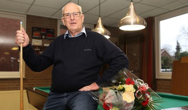 Herman Linders leerde biljarten in het café van zijn ouders. (foto: Marco van den Broek)