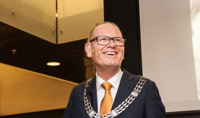 Tijdens de nieuwjaarsreceptie stond de burgemeester stil bij het feit dat hij een herseninfarct heeft gehad. Foto: J. Stam