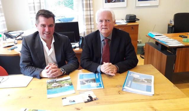 Martin Jacobs en zijn medewerker William van Dijk vormen de Makelaardij Jacobs, die nu al weer vijfentwin-tig jaar bestaat.