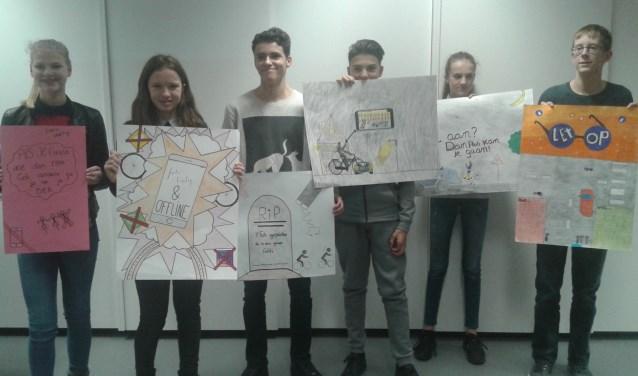 De posters van het project over verkeersveiligheid (Foto: Jos Janssen).