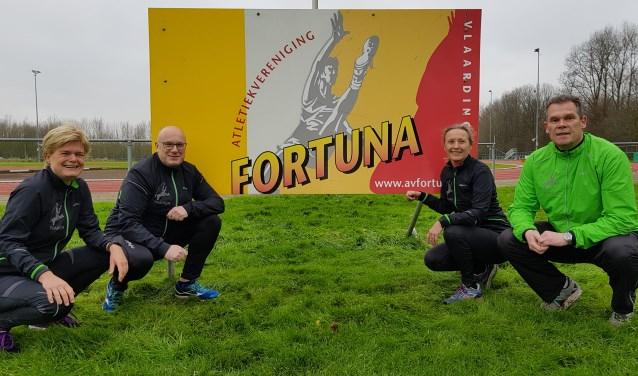 Trainer René van Teijlingen(rechts) samen met met Aleid van Prooijen, Marcel Ottespeer en Meriam Hoppenbrouwer, verantwoordelijk voor de startersclinic bij Fortuna.