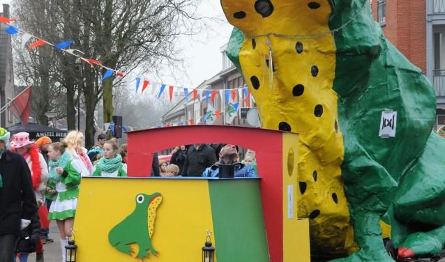 De grote groene kikker, doet zijn intrede in Kikkerloo.
