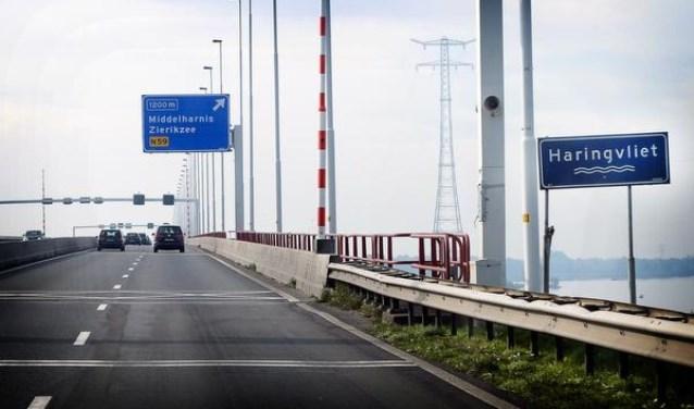 De Haringvietbrug gaat enkele weekeinden dicht voor werkzaamheden. (Foto: Rijkswaterstaat)