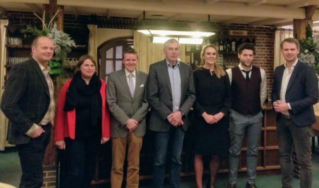 De eerste zeven op de VVD-kandidatenlijst (vlnr): Alfred Wopereis, Fiona Algera, Kees Porskamp, Karel Bonsen, Ellen Ribbers, Frank Boschker, Bart Porskamp. (Foto: PR)
