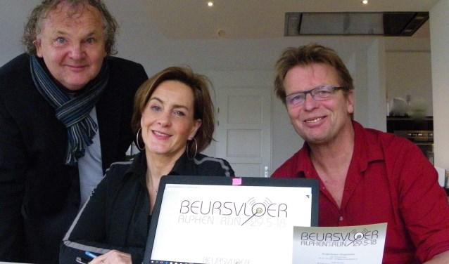 Peter Remerij, Netty Blijlevens en Jos Timmermans (vlnr) zijn de organisatoren van de Maatschappelijke Beursvloer Alphen op 29 mei in Castellum.