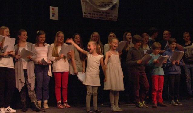 Zaterdag op zondagnacht vindt de 'Nacht van de Lach' in dorpshuis De Kil plaats. Kinderen brengen allerlei sketches rondom het thema de lach.