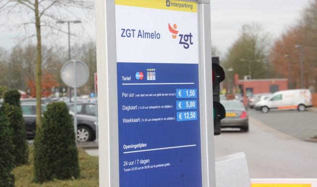 De tarieven voor het parkeren bij ZGT werden onlangs verhoogd