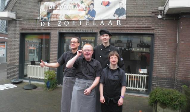 Vier van de 45 medewerkers van De Zoetelaar. Links boven Joost rechts Timo. Onder: Peter en Jitske. Foto Kees van Rongen
