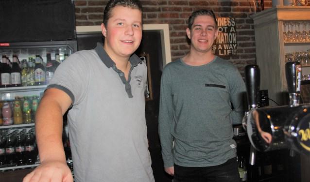 Teun en Kevin organiseren een benefietdiner voor Join4Energy met 8 gangen, een amuse en wijn/bier of fris.