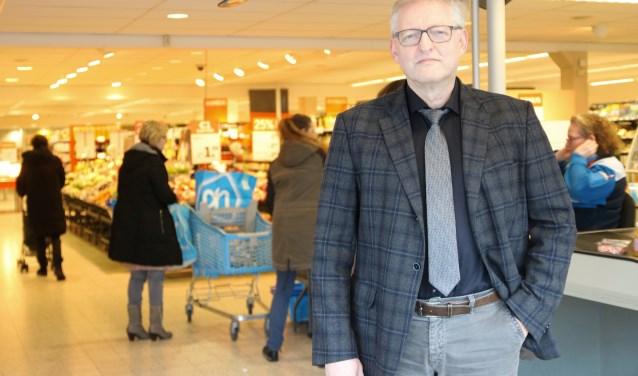 Sinds 2008 was Roelof de Boer eigenaar van Albert Heijn in 's-Heerenberg. Nu ziet hij geen toekomst meer voor de winkel, omdat er te veel concurrentie is en uitbreiding onmogelijk is gebleken. (foto: Elsie Schoorel)