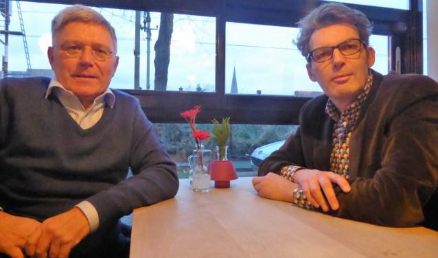 Robert de Rijke en Marc Buijs zijn beiden al vele jaren betrokken bij het Liefdesliederenkoor Oosterbeek. (foto: Marnix ten Brinke)