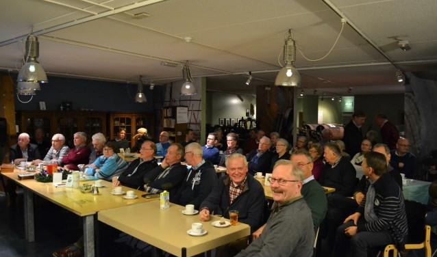 In december trotseerden toch nog velen het barre winterweer. De foto werd begin van de avond gemaakt van de bezoekers in 'n Koffiehook.