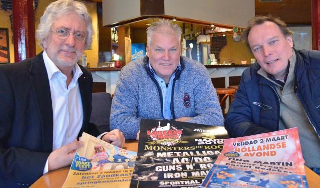 Voorzitter Frans van Petegem van Linschotens Belang, René den Daas en Eric Jan Hagoort bespreken de aanstaande viering van 25 jaar LiBel in De Vaart. (Foto: Paul van den Dungen)