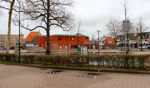 Het voormalige ING-kantoor op het Vinkenplein dat wordt gesloopt. Foto: Els van Stratum