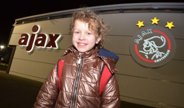 DVC '26-voetbalster Merel van Wanrooij (11) op De Toekomst in Amsterdam. (foto: Maurits van Aalst)