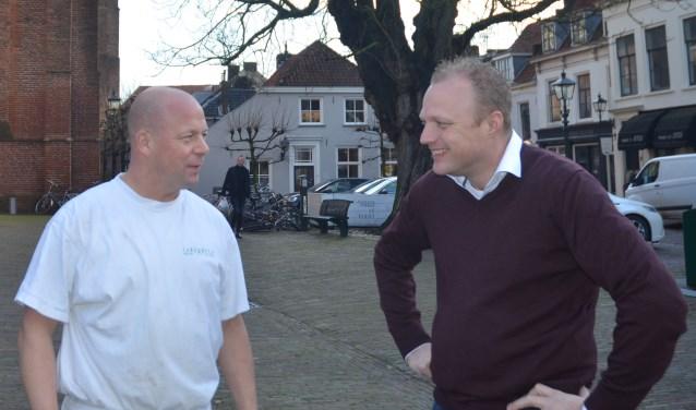 Ondernemers Frank Lakerveld en Joost Vernooij hebben samen met ruim vijftig andere Wijkenaren bepaalt hoe de Markt er uit gaat zien. FOTO: Ben Blom