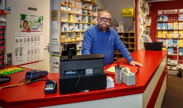 'Toontje' van den Hoven neemt tevreden maar met weemoed afscheid van Van den Hoven Elektrotechniek en zijn vaste klanten. Foto: Yuri Floris Fotografie