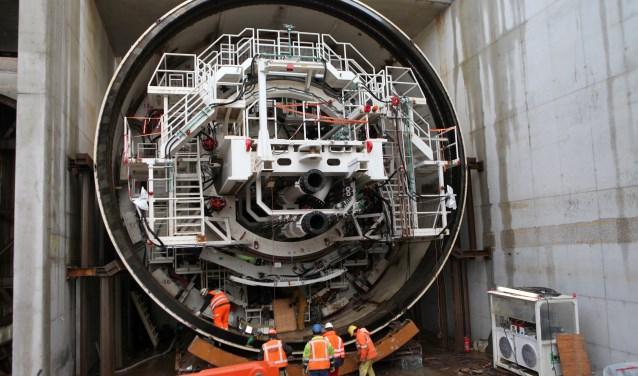 De enorme tunnelboormachine is maar liefst 80 meter lang en 11 meter hoog. (Foto: Peter van Zetten)