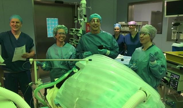 Robert Laheij en zijn team staan klaar om als eerste in Nederland in maag te verkleinen zonder een operatie.