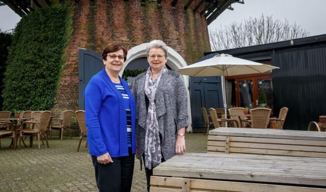 Bestuursleden Meriam van Mierlo en Anne-Marie van Loon van KBO Nieuwkuijk hopen op korte termijn nieuwe (bestuurs)leden te mogen verwelkomen. Foto: Yuri Floris Fotografie
