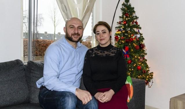 Mouayad Saad Aldin en Rouly vieren samen met hun twee dochters hun tweede kerst in Wintelre