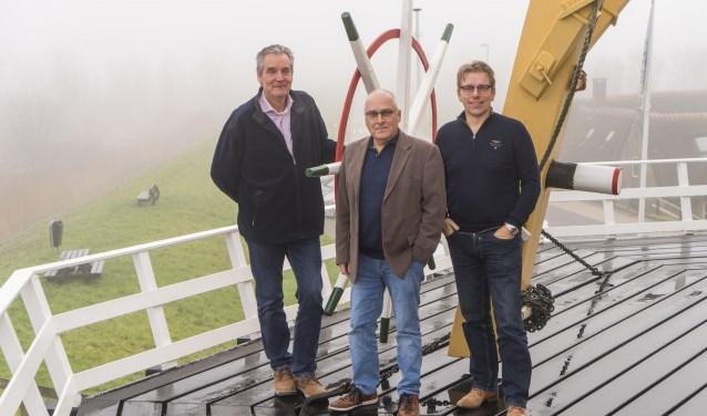 De nieuwe bestuursleden van de Molenstichting. (foto: Cees van der Wal)