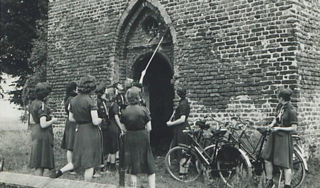 De kerk van Velp wordt schoongemaakt (Foto: Fotostudio Jean Smeets).