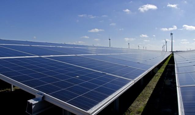 Duurzaamheid leeft bij ondernemingen. Zo is een aantal bedrijfsgebouwen voorzien van zonnepanelen.