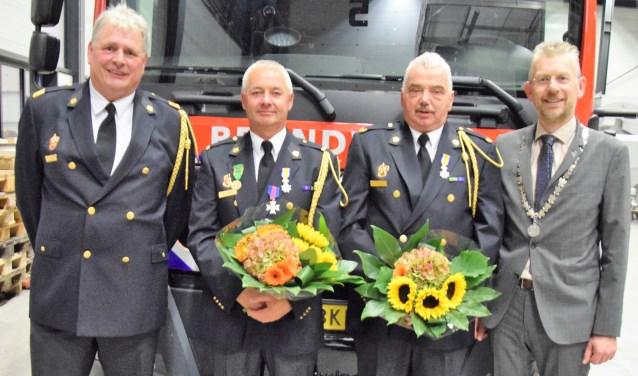 Peter Vernooij, Martin Verbeek, Jan Verbeek en de burgemeester.