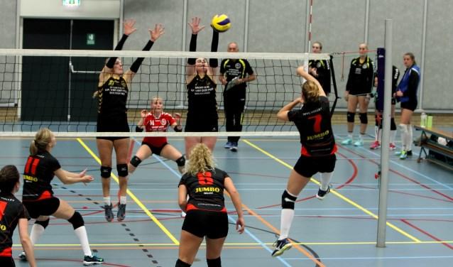 WVC Volley in actie tegen Bolsward. Foto: Jan van den Noort.