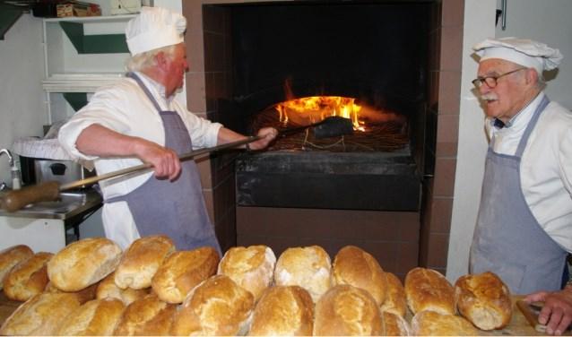 De bakkers zijn weer in actie te zien in het Jan Visser Museum.