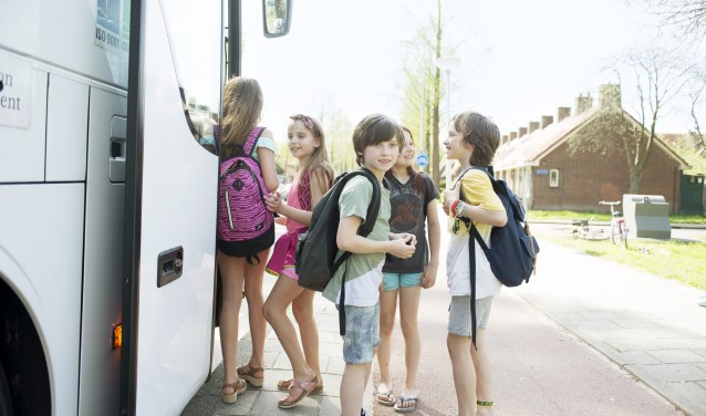 Stichting Leergeld Bommelerwaard zorgt er onder andere voor dat kinderen mee op schoolreisje kunnen als de ouders het niet kunnen betalen.