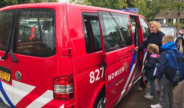 Kinderen van Sport BSO Amerongen in de brandweerbus!