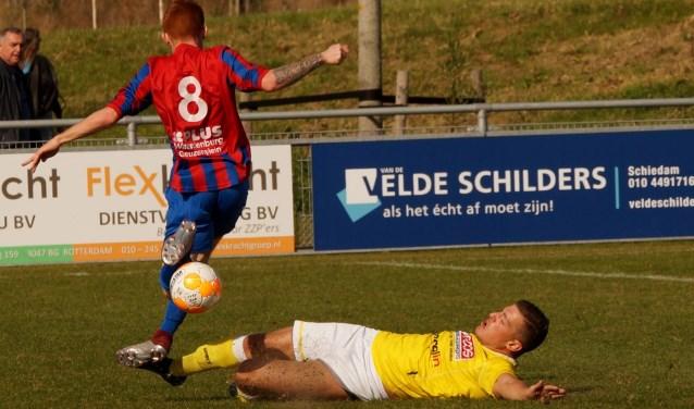 Lars van der Wijngaard in duel met zijn directe tegenstander
