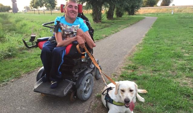 Dankzij alle doppenspaarders heeft Sacha een assistentiehond die luister naar de naam Kees! (foto: A. de Vries)