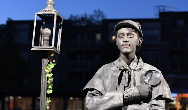 De laatste vrijdagavond van september staat het centrum van Ede steevast in het teken van de 'Living Statues'. (Foto: Bert Vos)