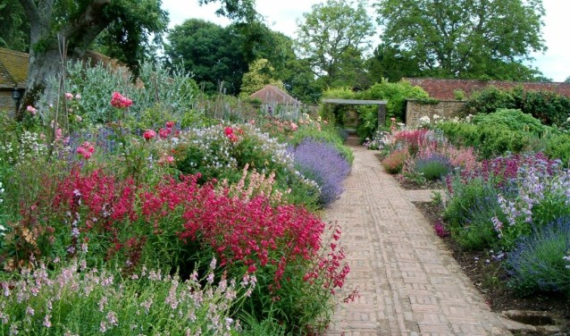 Boeiende Engelse tuin