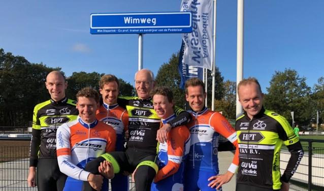 Vlnr: John van Lochem, Mark Schreurs, Xaf Houwers, Wim Dieperink, Nick Kweldam, Bor Houwers en Bart Aalbers.