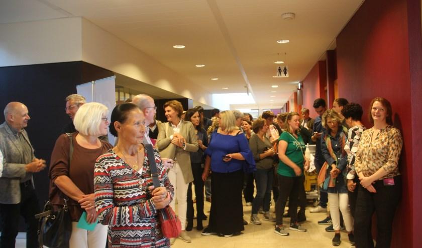 Onder massale belangstelling werd het Alma Inloopershuis geopend