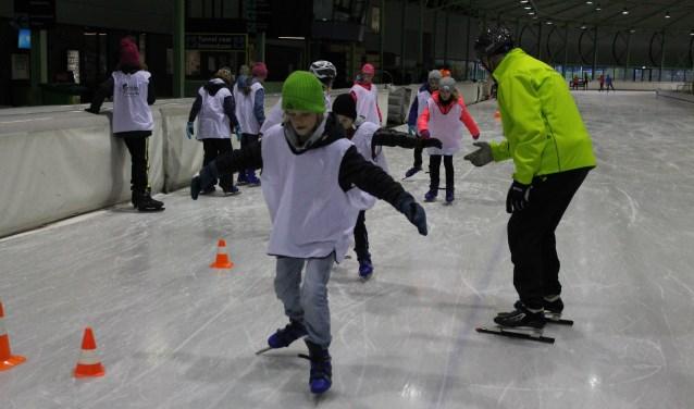 Op 12 november gaat het vier weken durende schaatsproject 'Blij dat ik glij 2018' van start voor kinderen uit de voormalige gemeente Eibergen.