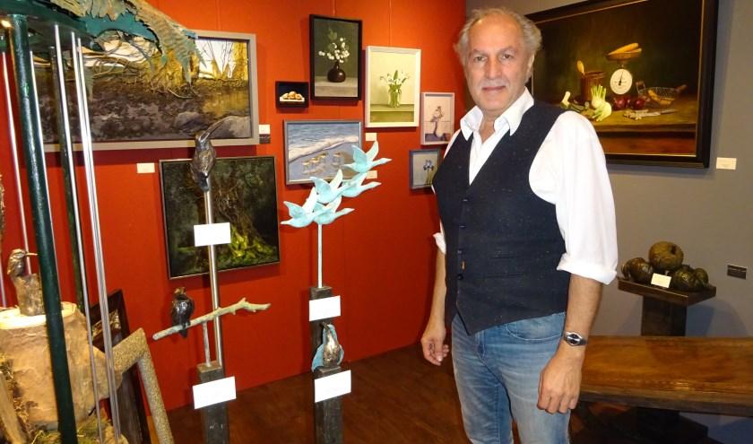 John de Gelder in zijn galerie. (Foto: Privé)