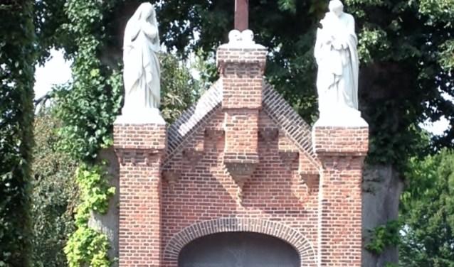 Begraafplaats Oirschot. De begraafplaats geeft een fraai beeld van een Brabantse dodenakker, waar al 150 jaar lang begraven wordt. Foto: Paul Stoffels