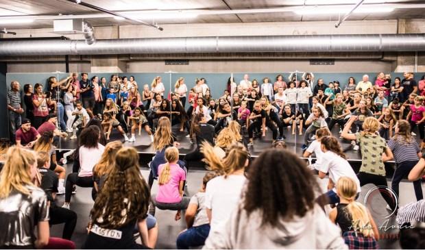 Feest vanwege het eerste lustrum van dansschool ROOTS, afgelopen vrijdag. Eigen foto