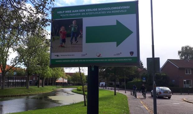 In Vreewijk zijn er parkeer- en afzetlocaties voor ouders die hun kinderen naar school brengen.