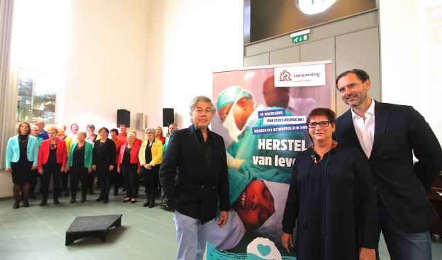Alie Boven gaat met de artsen artsen Wim Theuvenet (links) en David Schiettecate.naar Myanmar om mensen te helpen. (foto: Kirsten den Boef)