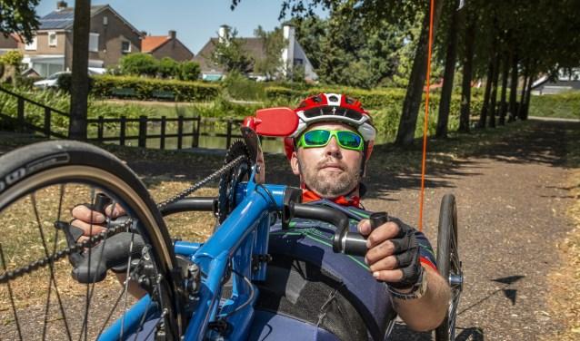 Erik van Hoorn: op de handbike naar de top. FOTO: PR