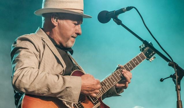 Paul Carrack staat zaterdag in het Muziekcentrum. Hij speelde met talloze wereldsterren, maar is de bescheidenheid zelve.