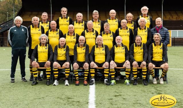 De 'Heeren van Velp' van VVO in het nieuwe tenue.