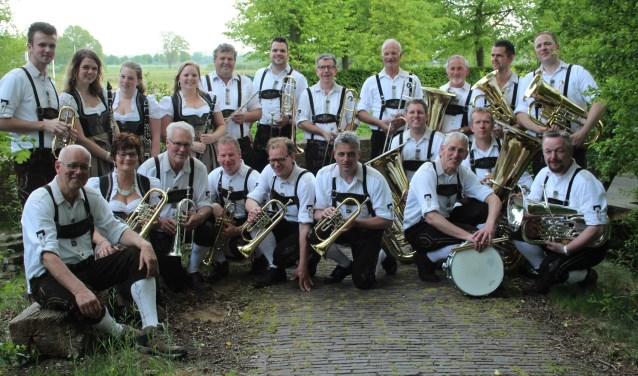 Blaaskapel De Borchländer musikanten uit Borculo treedt eind deze maand samen op met de Eschländerkapel.